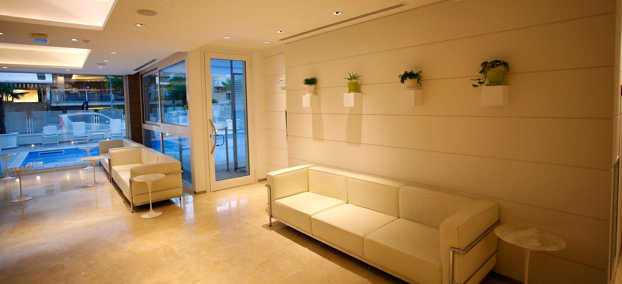 Hotel riccione 3 stelle superior con piscina hotel fantasy - Hotel con piscina a riccione ...